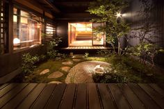 A small Japanese garden surrounded by house Japanese Style House, Traditional Japanese House, Japanese Interior Design, Japanese Modern, Japanese Homes, Architecture Design, Japanese Architecture, Asian House, Japan Garden