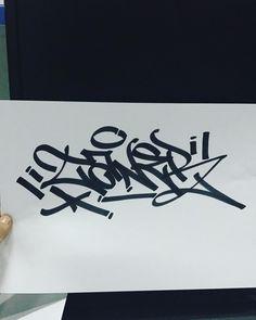 """4 Me gusta, 1 comentarios - marez (@marez0113) en Instagram: """"#handstyles #handstyle #tag #gaffiti"""" Graffiti Alphabet, Graffiti Art, Tagging Letters, Graffiti Tagging, Calligraphy Alphabet, Venom, Art Forms, Stencils, Street Art"""