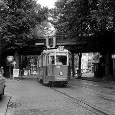 on dorotheenstraße in winterhude, #hamburg, in 1976. today it looks both the same and very differently. #germany