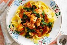 Slimming World's chicken pappardelle recipe - Recipes - goodtoknow Laura Lee, Chicken And Potato Curry, Potato Rice, Pappardelle Recipe, Slimming World Chicken Recipes, Slimming Recipes, Slimming Eats, Roast Dinner, Sunday Roast