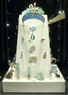 An exhibition devoted to 'Faberg and the Russian jewellers' took place at Wartski from 10th to 20th May 2006.  Loans ranged from the eighteenth century to 1917 and included several pieces from the Russian crown jewels