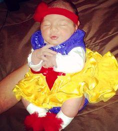Baby Snow White, Giana 1 day old