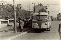 Prague Transport, Busse, Old Paintings, Car Photos, More Pictures, Czech Republic, Techno, Vintage Cars, Transportation