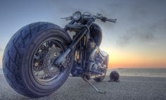 Sunset follows the front wheel; Suzuki 1400 Intruder ... Make me want to go for a ride !!