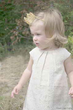 Sassy Bow Co. Hair Accessory Review   Giveaway! on Fawn Over Baby Blog  #giveaway #birthdaycrown #hairaccessory #babycrown