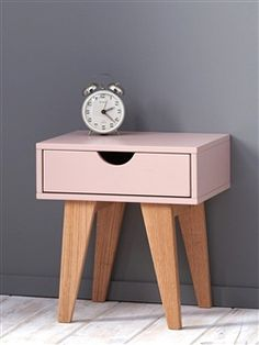 table de chevet enfant rose