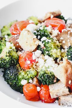 This Roasted Broccoli Panzanella Salad is a quick Med Diet recipe that helps fuel weight loss and healthy habit building! Diet Salad Recipes, Fresh Salad Recipes, Vegetarian Recipes, Healthy Salads, Healthy Habits, Healthy Eating, Broccoli Salad, Broccoli And Cheese, Mediterranean Diet Cookbook