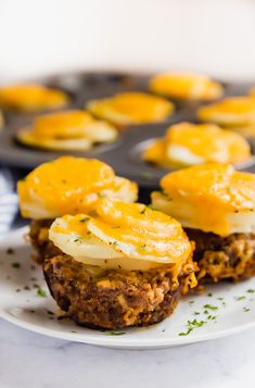 Easy meatloaf and potatoes dinner - January 14 2019 at - and Inspiration - Yummy Fatty Meals - Comfort Foods Recipe Ideas - And Kitchen Motivation - Delicious Steaks - Food Addiction Pictures - Decadent Lifestyle Choices Mini Meatloaf Muffins, Mini Meatloaf Recipes, Easy Meatloaf, Meat Recipes, Low Carb Recipes, Real Food Recipes, Cooking Recipes, Yummy Food, Recipes