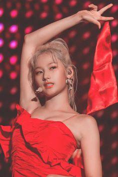 Find images and videos about kpop, twice and sana on We Heart It - the app to get lost in what you love. Kpop Girl Groups, Korean Girl Groups, Kpop Girls, Nayeon, Sana Cute, Jihyo Twice, Sana Minatozaki, Twice Kpop, Twice Sana