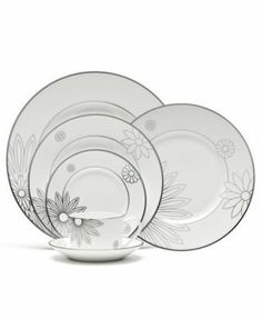 Martha Stewart with Wedgwood Modern Daisy Salad Plate by Wedgwood. $4.80