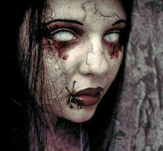 Cause I'm dead in the … Wissen Sie, wie ich aussehe, als wäre ich [. Gothic Horror, Arte Horror, Horror Art, Horror Photography, Dark Photography, Creepy Art, Scary, Zombies, Angel Of Death Tattoo