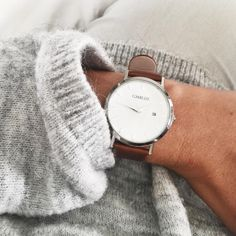 Simple & Elegant ✖️ Brown & Silver model -    Shop yours: www.charlizewatches.com    Free Worldwide shipping    #charlizewatches