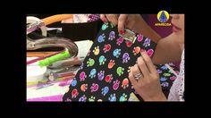 pencil case in cartonnage. Video tutorial in portuguese Claudia Wada, Purse Organization, Box Packaging, Diy Videos, Fabric Material, Scrapbook, Diy Crafts, D1, Sewing
