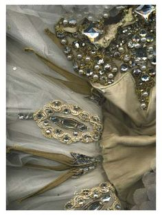 To treasure: tulle & jewels.