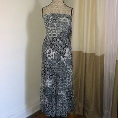 Maxi dress/ skirt size S 2 in 1 maxi dress or maxi skirt! As shown in photos! Size S Lapis Skirts Maxi