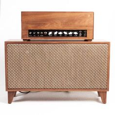Guitar Amp from reclaimed wood.
