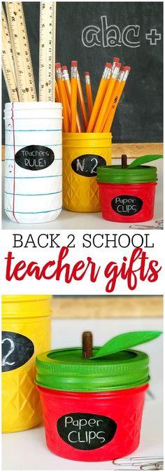 Chalkboard crayon wreath great teacher gift idea michaelsmakers mason jar teacher gift idea a simple and cute diy project that will make for solutioingenieria Choice Image