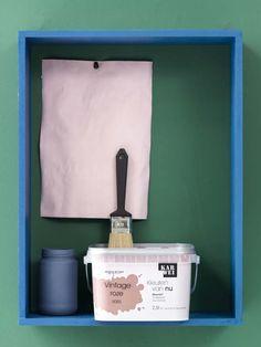 Karwei met een lambrisering die de muur in twee n deelt kun je spelen met meerdere kleuren op - Hoe roze verf ...