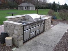 Built in Grill Small Outdoor Kitchens, Outdoor Kitchen Grill, Outdoor Grill Area, Outdoor Grill Station, Outdoor Kitchen Design, Outdoor Rooms, Outdoor Decor, Outdoor Living, Backyard Patio Designs