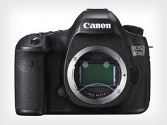 Satire: Disgruntled Pixel Peepers Say Canon 5DS Still Not Enough