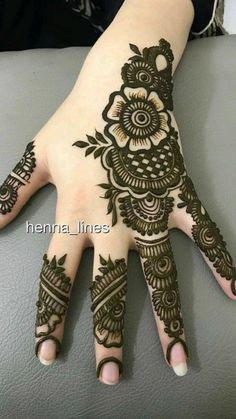 Floral Henna Designs, Henna Tattoo Designs Simple, Finger Henna Designs, Full Hand Mehndi Designs, Henna Art Designs, Mehndi Designs For Beginners, Mehndi Designs For Girls, Mehndi Designs For Fingers, Latest Mehndi Designs
