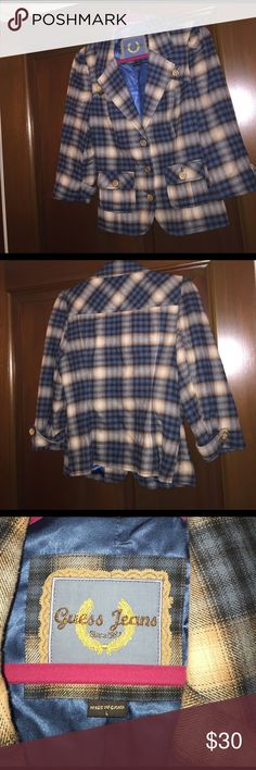 Guess Jeans fitted blazer size large This quarter-sleeve fitted blazer was one of my favorite things to wear when it still fit! It's in great condition scale 1-10: 7.5 and still has a lot of use left in it. I often wore it with the Seven For All Mankind jeans that are also listed on my page. This blazer looks great with dark pants and light brown boots. Great for work or fun! Guess Jackets & Coats Blazers