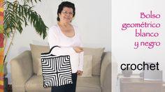 Bolso black and white con diseño geométrico tejido a crochet!