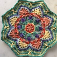 Persian Tiles Eastern Jewels #4 #persiantiles #persiantileseasternjewels #persiantilesblanket #janiecrow #crochet #crocheted #crocheting #haken #gehaakt #stylecraft #stylecraftdk Manta Crochet, Crochet Art, Love Crochet, Crochet Motif, Crochet Blocks, Crochet Squares, Crochet Stitches Patterns, Knitting Patterns, Peacock Pattern