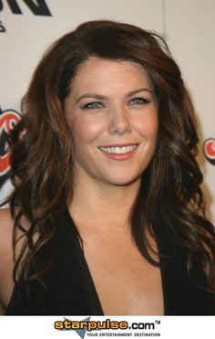 Lauren Graham <333 her and this hair!