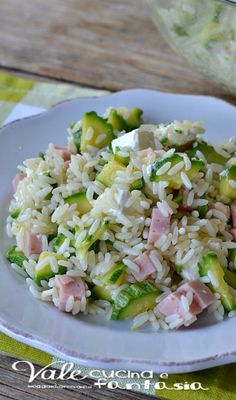 Riso freddo con zucchine prosciutto e philadelphia Salty Foods, Cooking Recipes, Healthy Recipes, Food Humor, Light Recipes, Summer Recipes, Food Inspiration, Italian Recipes, Spaghetti