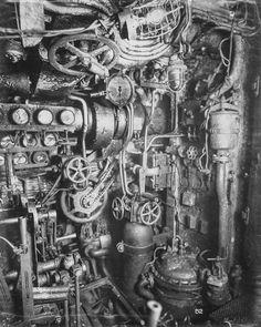【貴重】第1次世界大戦時に使用されたドイツのUボート内部写真   ARTIST DATABASE