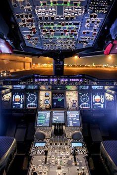 Lufthansa Technik — Dear A 380 flight deck Commercial Plane, Commercial Aircraft, Aviation World, Civil Aviation, Lufthansa Pilot, Airbus A380 Cockpit, Boeing 777, Flight Simulator Cockpit, Photo Avion