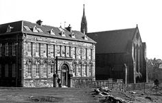Townhead School and Barony Church again. Old Pictures, Old Photos, Glasgow Architecture, Glasgow Scotland, Local History, Old City, Vintage Postcards, Louvre, School