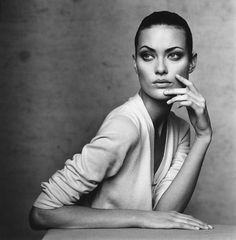 Shalom Harlow photographed by Irving Penn, Vogue, March 1996.