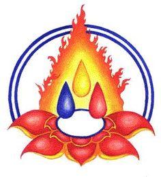 Buda, as três jóias!  O Buda, o Dharma e a Sangha.