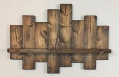 Rustic offset shelf offset shelves wooden shelves shabby chic decor rustic home decor country decor farmhouse Wooden Pallet Projects, Woodworking Projects Diy, Pallet Ideas, Barnwood Ideas, Shabby Chic Homes, Shabby Chic Decor, Rustic Decor, Rustic Homes, Rustic Style
