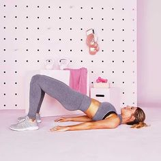 Belly Weight Loss Tips Thigh Fat Burning Workout Plan to Lose Thigh Fat and Get Tone Legs.Belly Weight Loss Tips Thigh Fat Burning Workout Plan to Lose Thigh Fat and Get Tone Legs Reduce Thighs, Reduce Thigh Fat, Bridge Workout, Glute Bridge, Loose Leg Fat, Fat Burning Workout Plan, Fat Workout, Burn Thigh Fat, Toned Legs Workout
