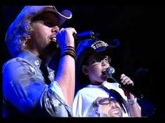 Toby Keith shares his love for the military with an inspirational little boy   Rare
