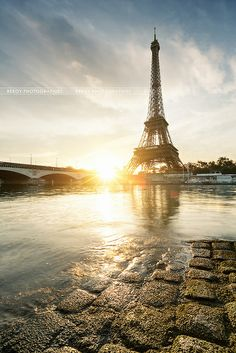 Tour Eiffel sunrise