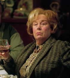 Marge Dursley ~ The dreaded auntie ~ Harry Potter and the Prisoner of Azkaban Harry Potter Film, Pam Ferris Harry Potter, Harry Potter Characters, Harry Potter World, Severus Snape, Draco Malfoy, James Potter, Lavender Brown, Cho Chang