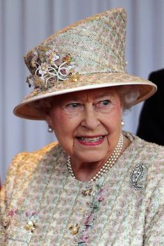 "MAKE AN OVERVIEW OF HATS OF QUEEN ELIZABETH II OF ENGLAND ""2016 TO 2007"" - PRINCESS MONARCHY"