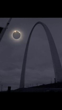 Solar Eclipse seen from St. Saint Louis Arch, St Louis Mo, Stl Cardinals, St Louis Cardinals, Gateway Arch, Photography Challenge, Solar Eclipse, Great Places, Beautiful Places