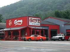 Cooter's Place: Dukes of Hazzard. Gatlinburg, Tennessee ♡ this place I've been here several times