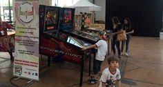 Via al Carrara Show: tra giochi musica e fumetti lo spettacolo del flipper sportivo
