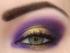 Wow, amazing eye makeup!
