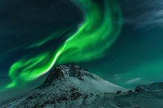 Photo Polarlicht Berg by Michael Hochfellner on 500px