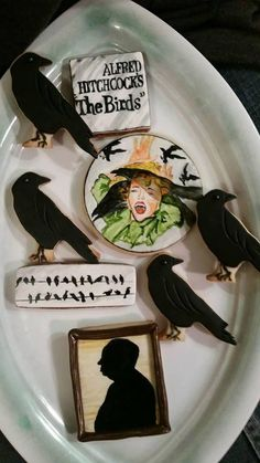 "Alfred Hitchcock ""The Birds"" cookies 