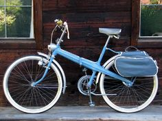 This relatively rare folding bike comes to us courtesy of Thomas at Authentic Vintage Bicycles.  He performed a wonderful restoration on this 1962 Neckermann, keeping it as original as possible.  It was made by Geier-Werke in Lengerich, a city in Westphalia, Germany.  The company produced these bikes from 1961 to 1967 but went bankrupt in 1968 and is no longer in business.