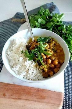Curry de Pois chiches au lait de coco, champignons et pousses d'épinards. Vegan et sans gluten.