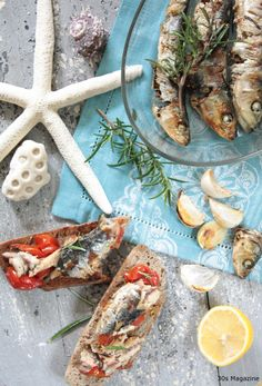 sardines bruschetta, summer recipe, replace the fresh sardines by canned sardines Top Recipes, Summer Recipes, Healthy Recipes, Best Dishes, Side Dishes, Sardine Recipes, Good Food, Yummy Food, Barbecue Recipes